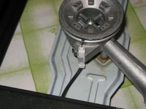 Печь оснащена пьезо-элементом. Так что наличие зажигалки не обязательно.