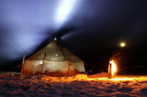 Игра света и пламени ( деревянный примус зажгли...)